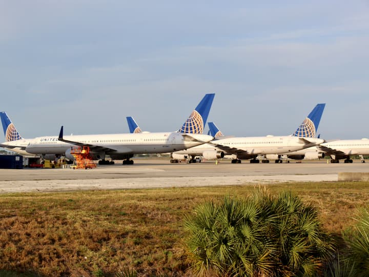 United Airlines planes grounded in Orlando, Florida, Diego Perez